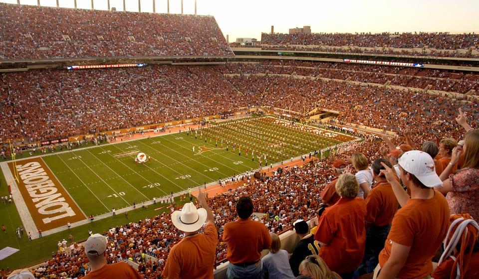 SW_701005056_7010010_UT_DKR_Texas_Memorial_Stadium_North_End_Zone_003_LG